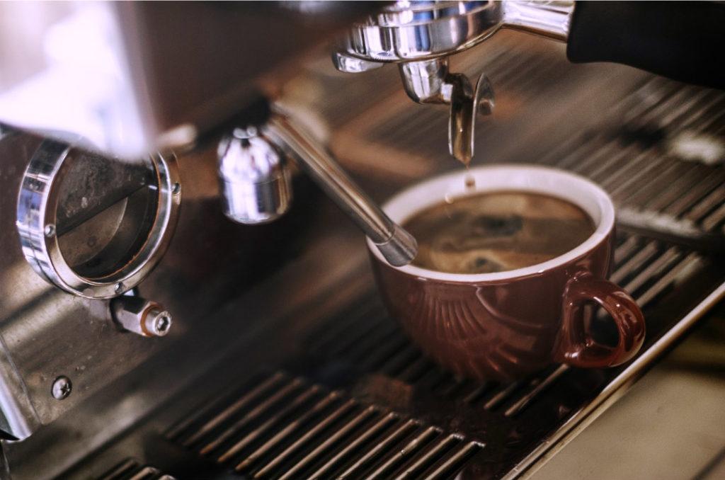 Anticalcare macchina caffè : come prevenire naturalmente le incrostazioni