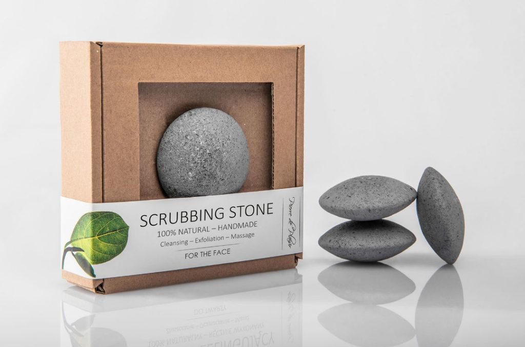 Pierre de Plaisir e la pietra esfoliante che rivoluziona la beauty routine